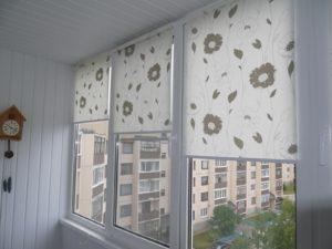 Установка рулонных штор на пластиковые окна в Волгограде
